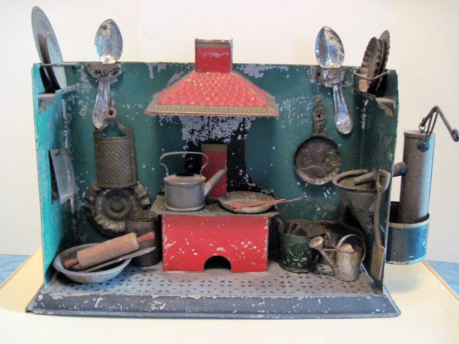 Tracy S Toys And Some Other Stuff Antique Tin Toy Kitchen