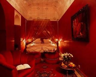 recámara paredes rojas