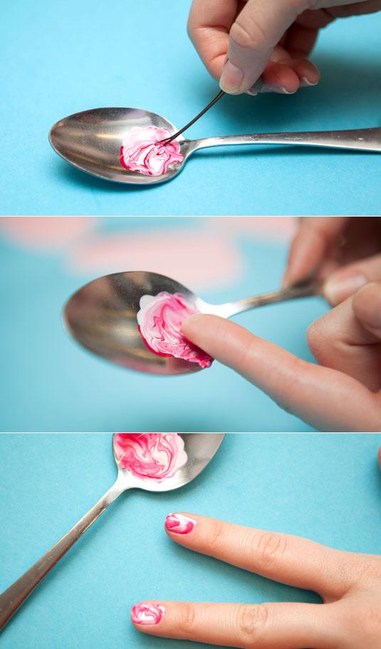 Pinta tus uñas con efecto marmol