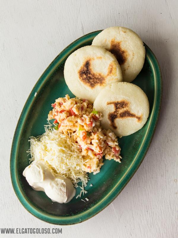 Arepas Venezolanas aprende la receta fácil para hacerlas de la mano de www.elgatogoloso.com