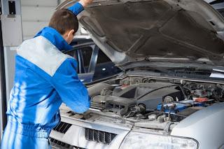 ¿Qué debe incluir una revisión básica del coche?