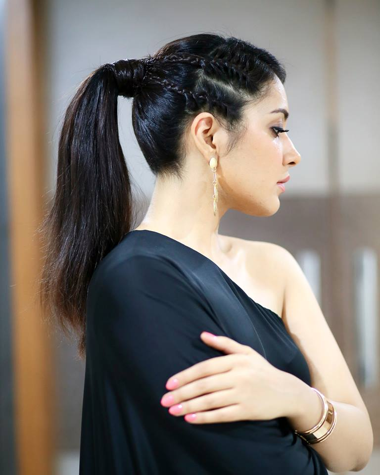 Rashi Khanna Gorgeous Hot Stills In Black Top