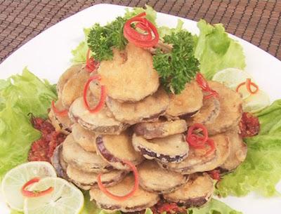 Terong Goreng Tepung merupakan salah satu kreasi masakan yang berbahan dasar Terong Resep Terong Goreng Tepung Gurih Renyah