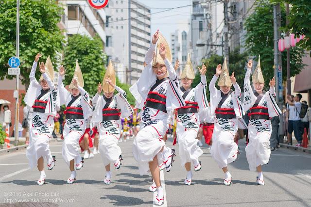 マロニエ祭りで浅草雷連の女踊りの踊り手達を撮影した写真 その6