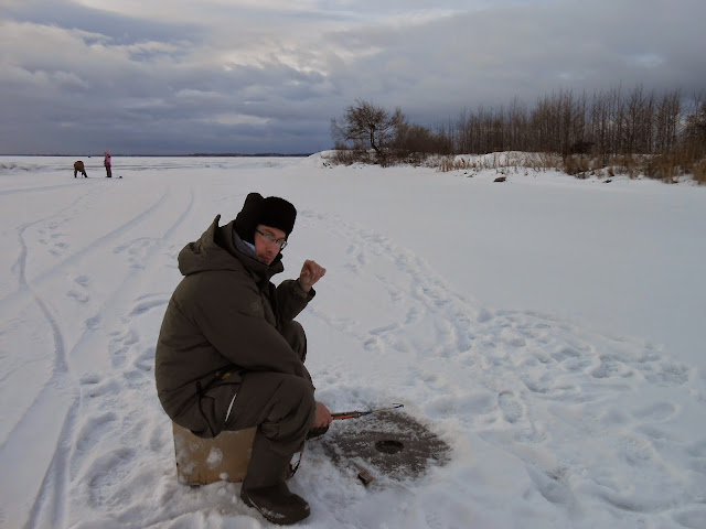 Рыбачу на озере Иртяш