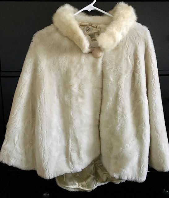 vintage faux-fur cape vintage garage chicago