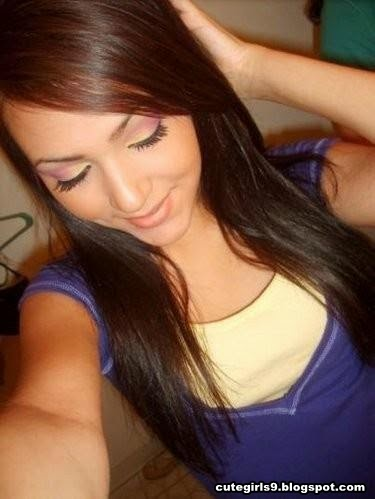 21 Amateur Real Teen Girl Selfshot Gallery