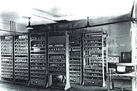 Sejarah Komputer Generasi Pertama : Tabung Vakum 1945-1955