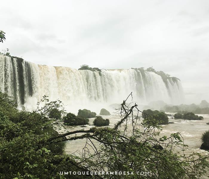 Quedas d'água das cataratas do Iguaçu - Paraná, Brasil