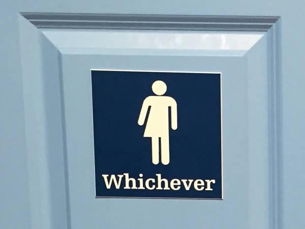 17 Tanda Toilet Yang Keren Ini Bakalan Bisa Menjebakmu, Kalau Kamu Kurang Teliti Melihatnya