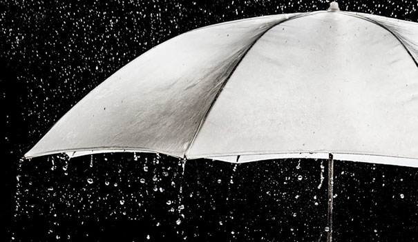 15+ Pics That Show Photography Is The Biggest Lie Ever - Umbrella