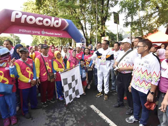 Nurdin Abdullah dan Ribuan Warga Makassar Peringati Hari Kanker Sedunia