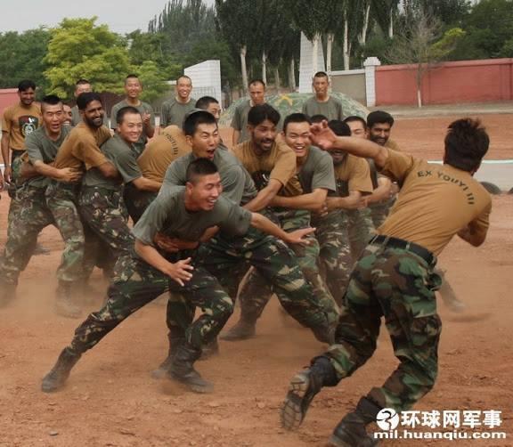 Full Fun: Pakistan Army Soldiers