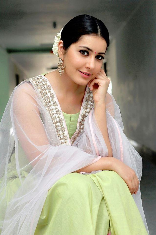 Tollywood Actress Hot Photos Of Rashi Khanna In Green Dress ❤