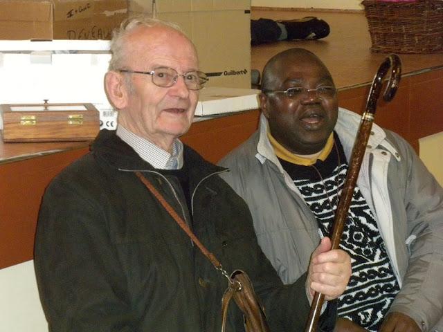 Père Joseph et père Roger Kumbu Situ Situ