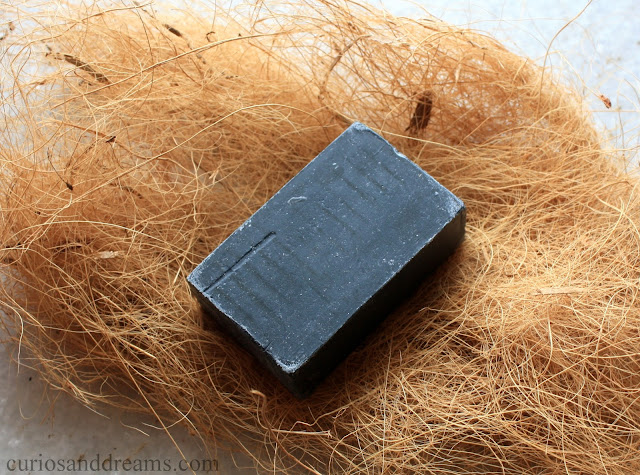 The Man Company's Charcoal Soap, The Man Company's Charcoal Soap review, Charcoal Soap review, The Man Company