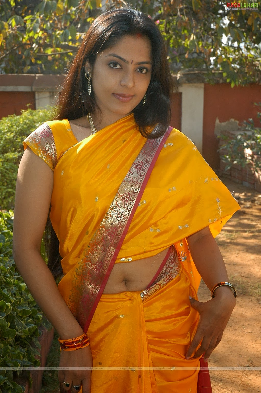 Saree Navel: Dressing Below Navel Saree: Ramitha Shetty Saree Navel