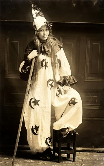 Spooky Styles Of Halloween Costumes From A Century Ago