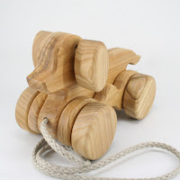 PA22, Wooden Pull along Dog, Lotes Toys