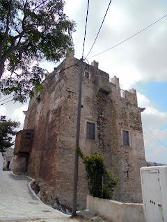 Ο Πύργος Φραγκόπουλου - Δελλαρόκα στο Κουρουνοχώρι της Νάξου
