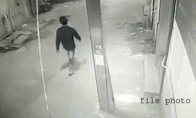 पत्नि की डायलिसिस कराने लाए रूपए पार कर ले गया चोर, CCTV में कैद | SHIVPURI NEWS