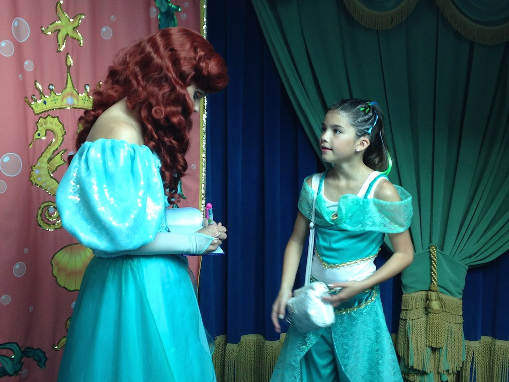 Britts happy place blog all about disneyland disneylandcalifornia adventures ariels grotto princess dining m4hsunfo