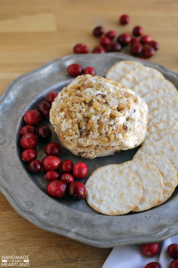 Fresh 10 minute cranberry, walnut and gorgonzola cheeseball spread or chill to make a party ball.