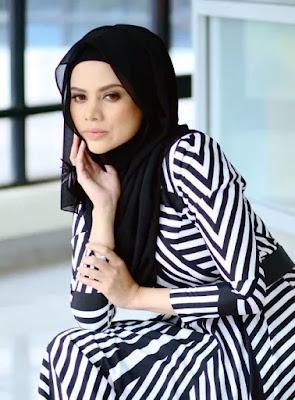 Alyah Pakai Baju Macam Rahib Jadi Tanda Tanya