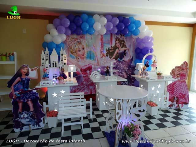 Decoração de aniversário infantil tema Barbie Pop Star - Festa feminina - Mesa provençal simples