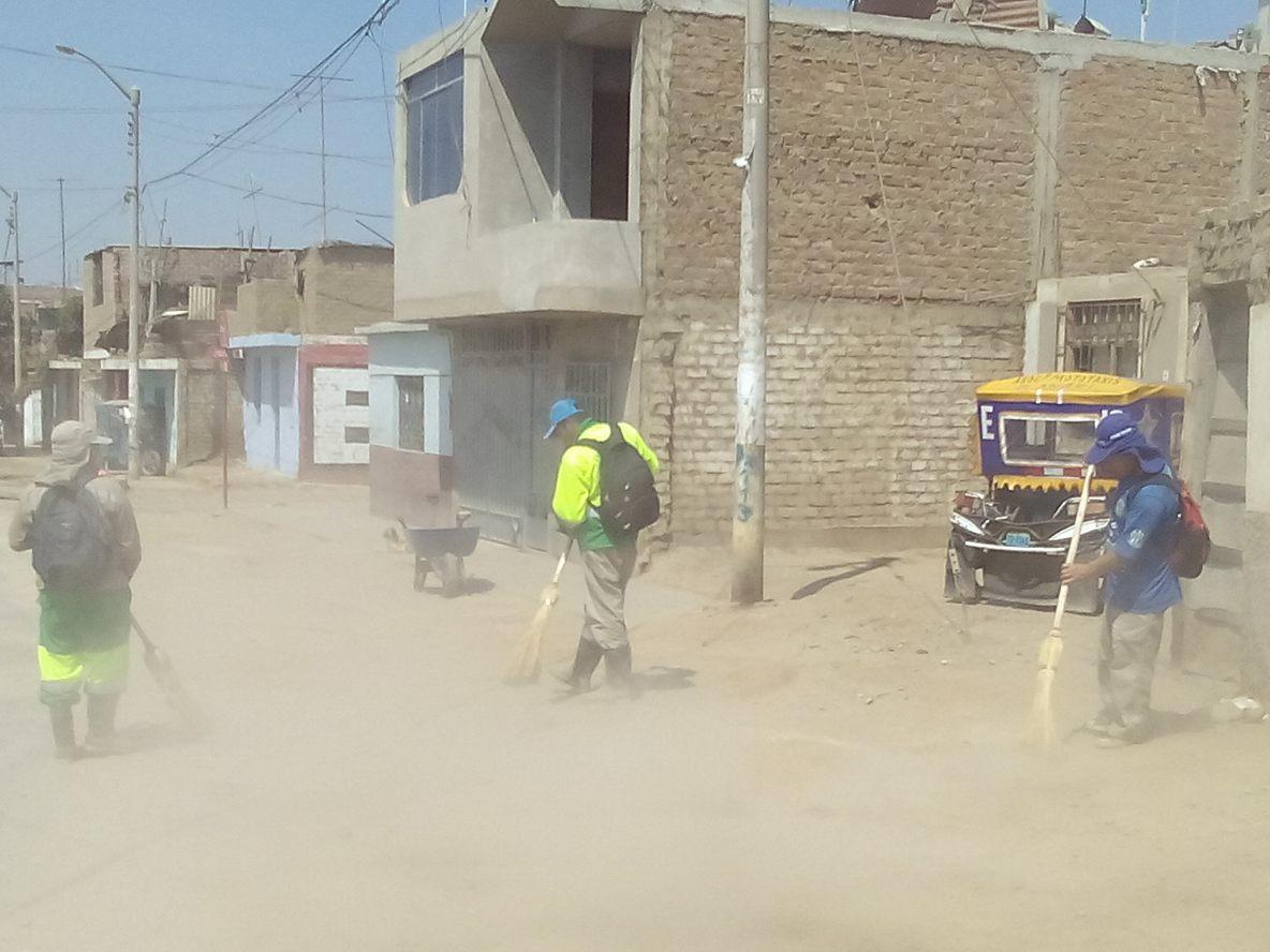 SEGAT realiza jornada de Limpieza Pública en el Distrito de Laredo