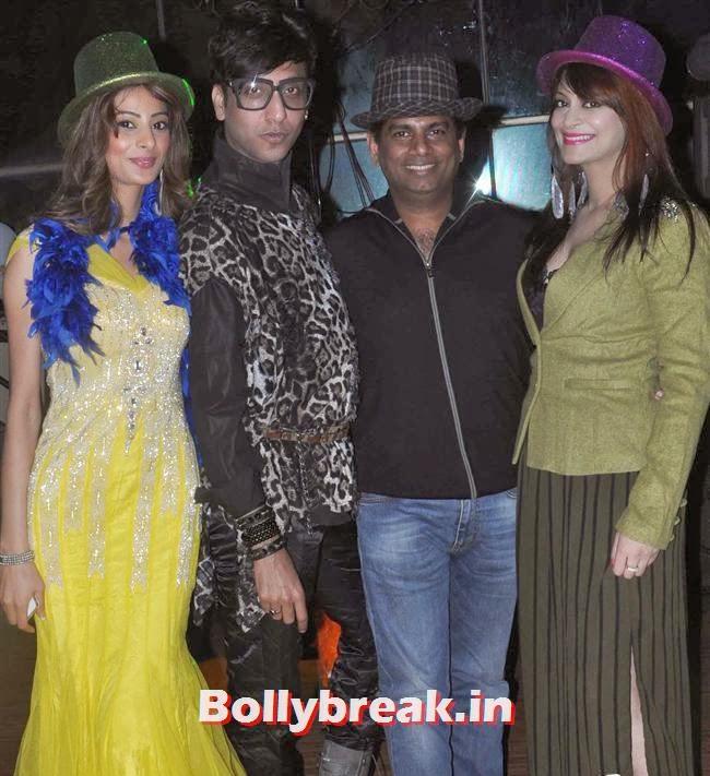 Sohfi Khan, Rehan Shah, Mohammad Fasih With Candy Brar, Mumbai Page 3 Celebs at Rehan Shah Birthday Party