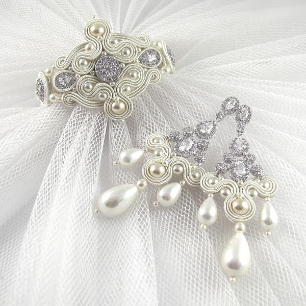 Sutaszowy komplet ślubny z cyrkoniami i perłami.