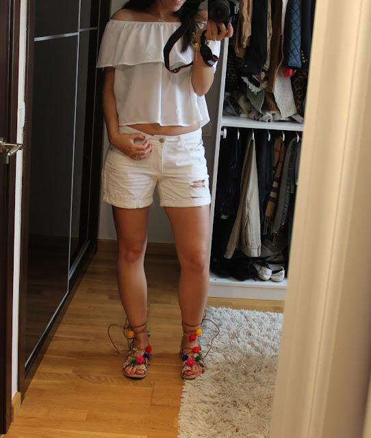 tendencia-shost-pantalones-modelo-chica-piernas-legs