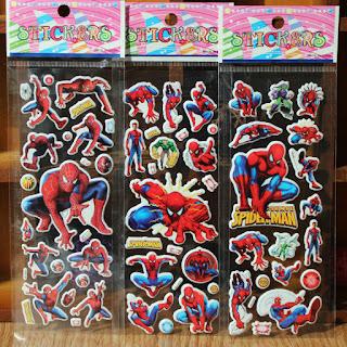 10 fogli adesivi stickers gadget economico regalo festa compleanno bambini a tema Spiderman personaggi super eroi justice league avengers.