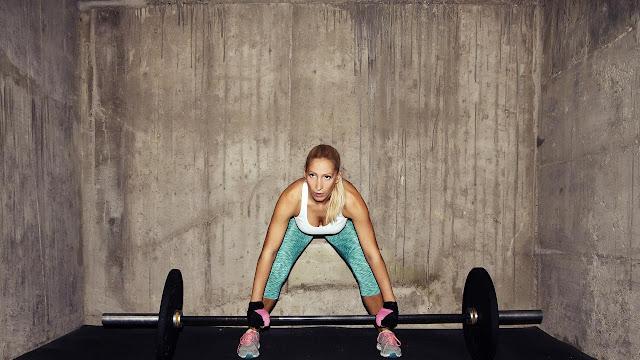 Keluhan Hanya Menambah Beban, Mending Sehatkan Badan dengan Angkat Beban