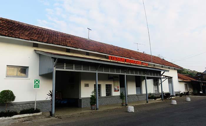 Bagian Depan Stasiun Wonogiri