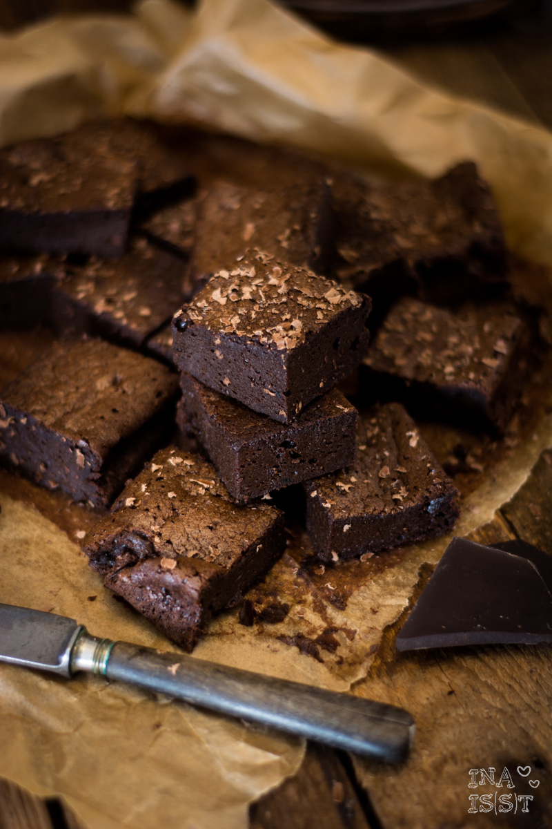 Low Carb Backen; Saftige Brownies; Low Carb Brownies