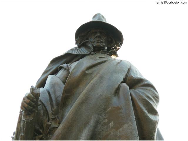 Salem: Escultura de Roger Conant