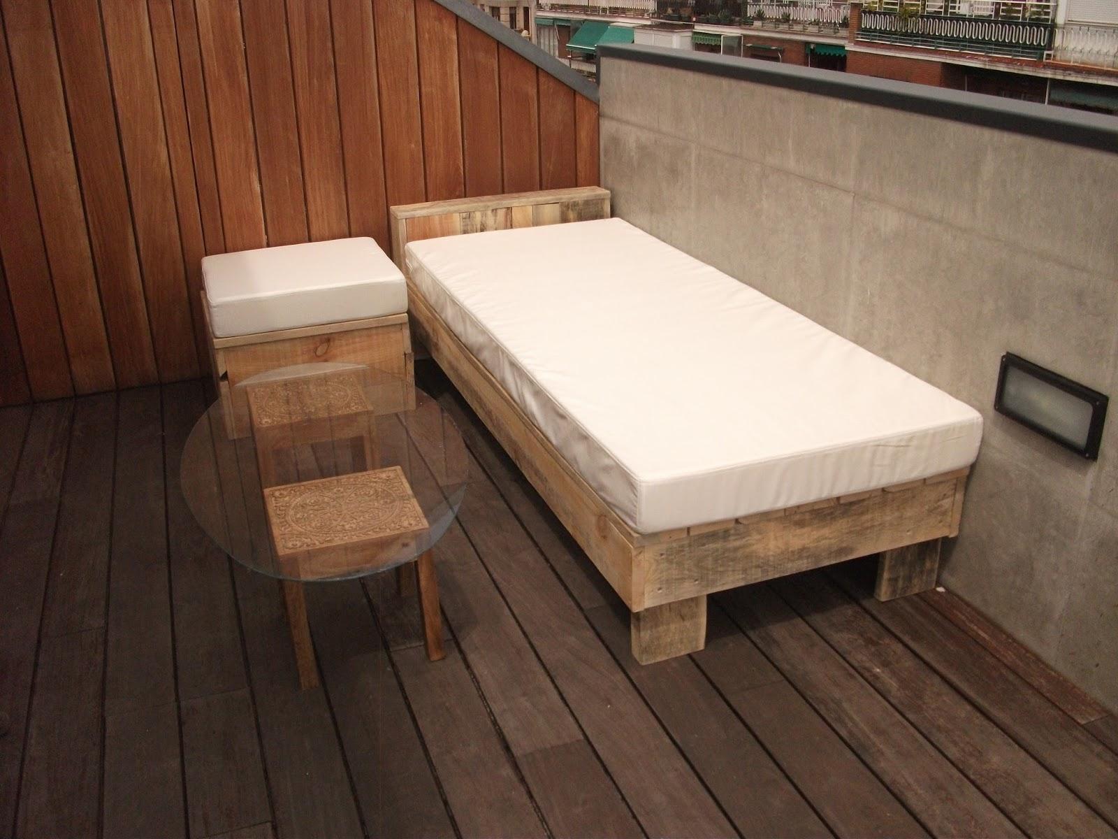 Renovarte con palets cama balinesa tatami banco balines for Cama 80x180