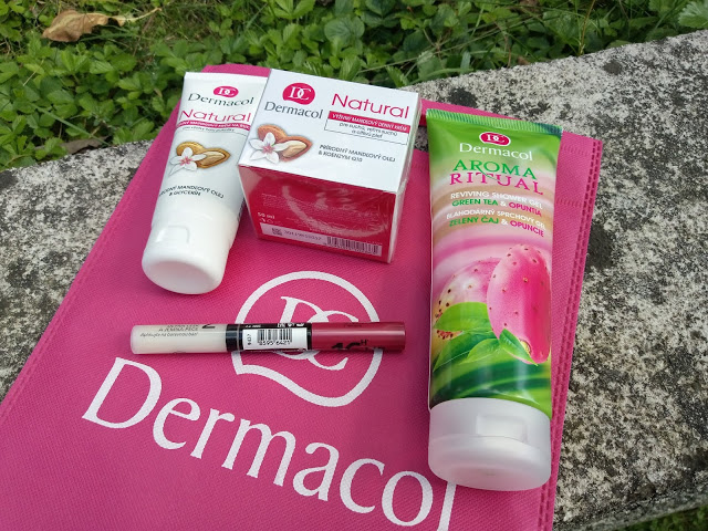 Produkty Dermacol: sprchový gél Aroma Ritual a mandľový krém Natural