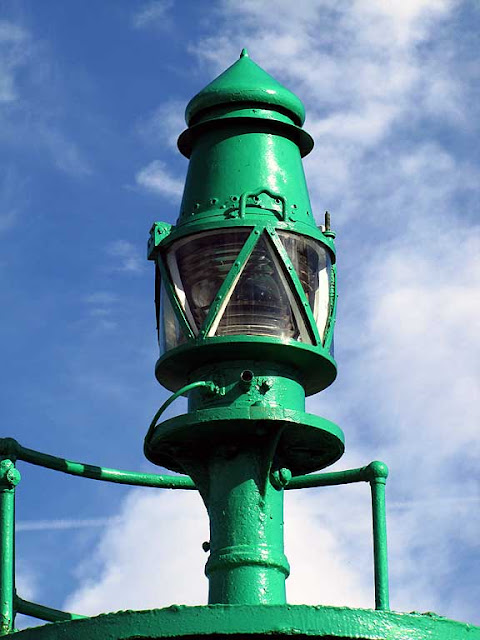 Green light at the entrance of the Porto Mediceo, Livorno