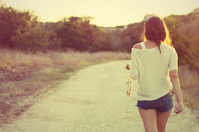 Hati Patah, Kaki Harus Tetap Melangkah Bahagia