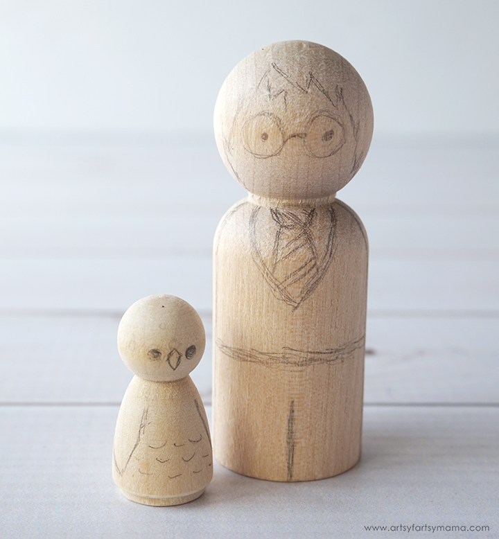 Create your own Harry Potter character peg dolls to play with, collect, or give as gifts!