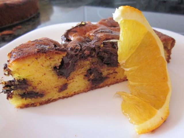 Bizcocho de naranja y trozos de chocolate cocina con reina for Cocina con sergio bizcocho