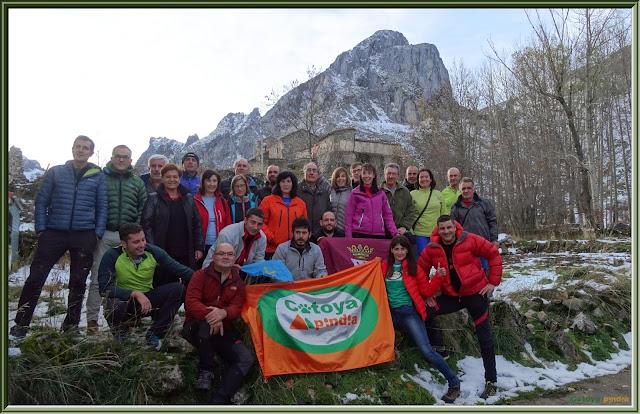 2º encuentro blogueros de montaña en Cubillas de Arbas subiendo a la Peña Barragana