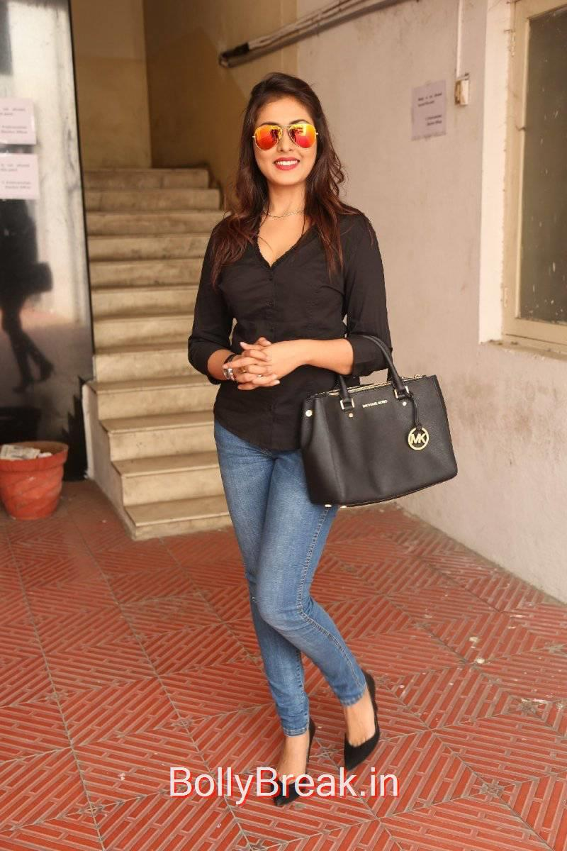 Madhu Shalini Stills, Madhu Shalini Pics in Tight Blue Jeans & Black Top