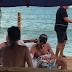 Leonardo DiCaprio curte praia em Trancoso e deve passar Réveillon no Brasil