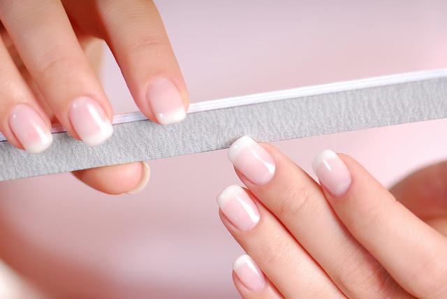 نصائح هامة للحفاظ على الأظافر من الضعف والتكسر