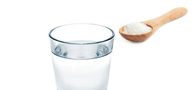 8 Manfaat Meminum Air Garam