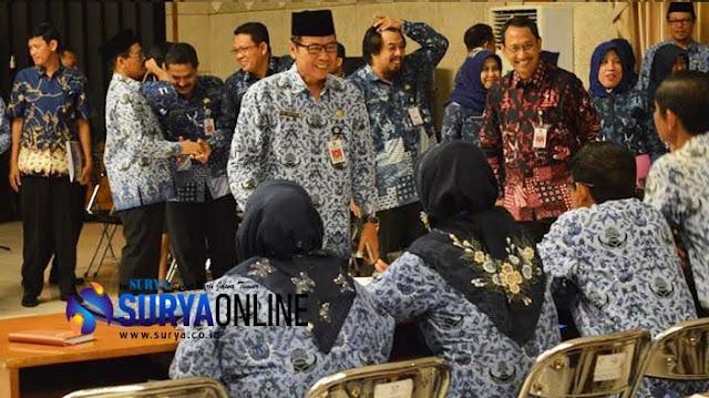 gresik24jam - Anggota Korpri Gresik Dihimbau Jauhi KKN, jika Nekat Sanksinya seperti Ini